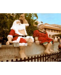 Santa & Mrs. Claus Holiday Decorations, Honolulu Hale