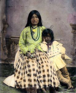 Taz ayz Slath & daughter, Apache Native American Indians 1885