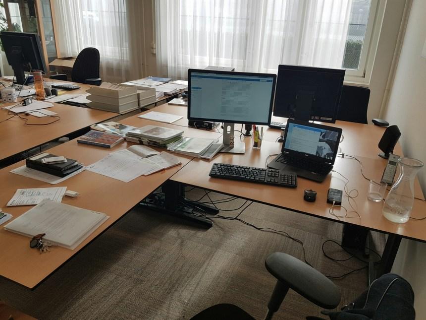 Ongezellig bureau