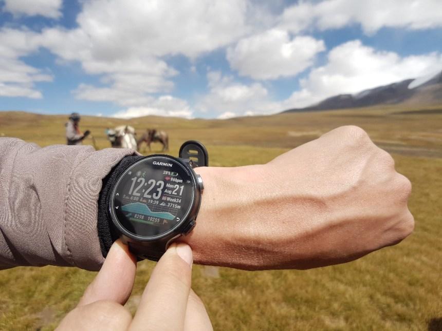 Kirgizië bergen kamperen paard trektocht