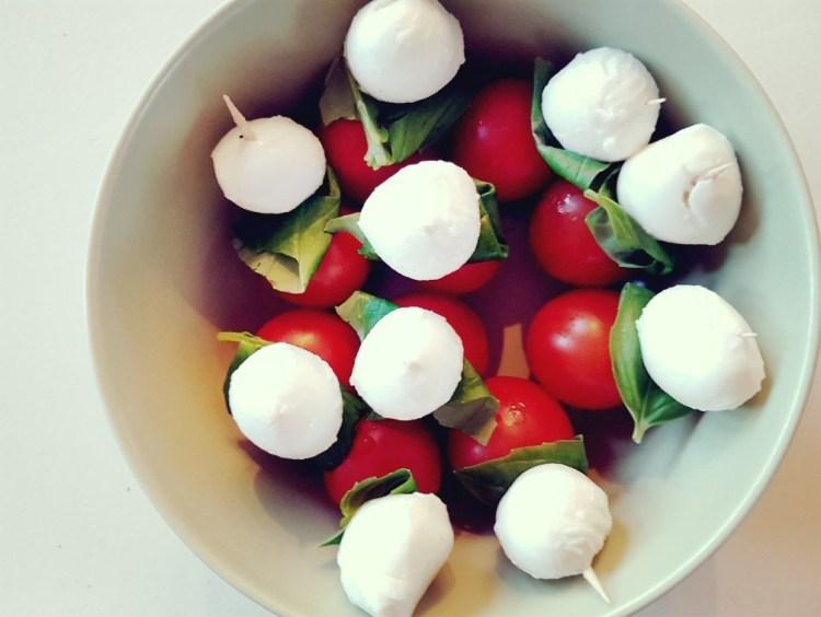 Mozarella, basilicum, tomaat hapje