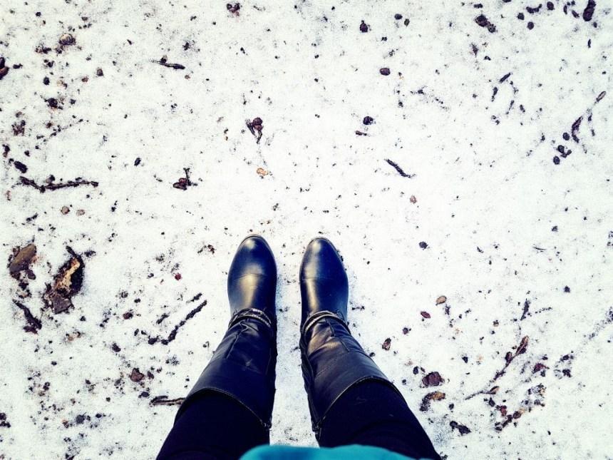 Nette laarzen in de sneeuw