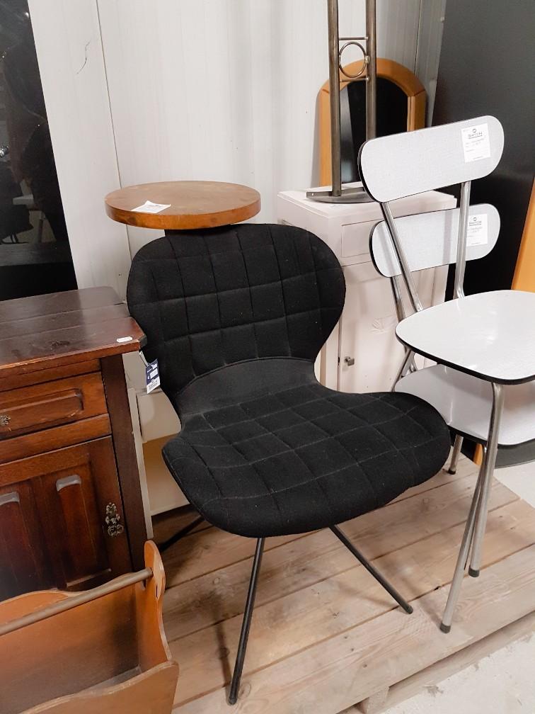 Retro stoeltjes 2Switch kringloopwinkel Venray