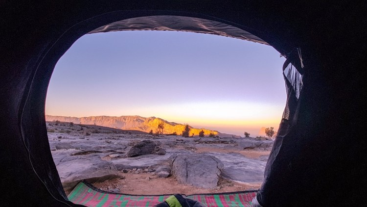 Zonsopkomst wildkamperen Jebel Shams Oman