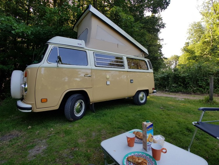 Kamperen Zeeland Het Veerse Gat Retro Volkswagen busje