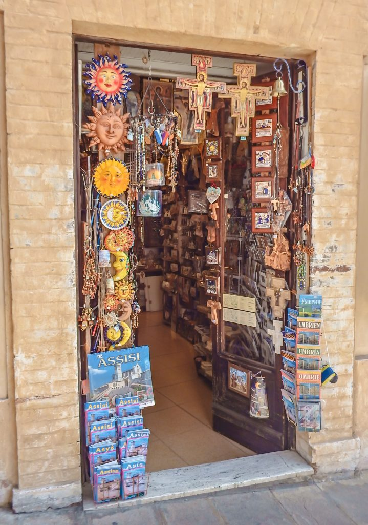 Religious gift shoo // Day Trip to Assisi, Italy