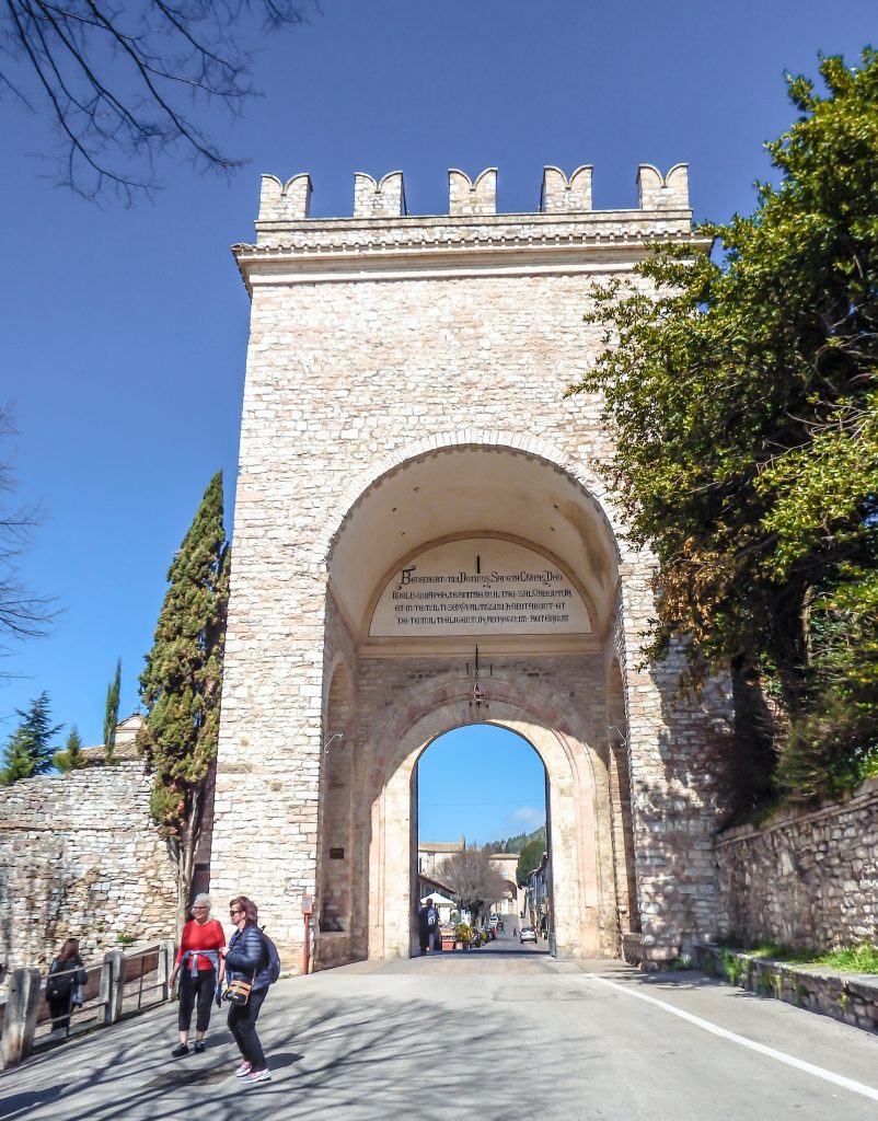 Tower at the entrance to this small medieval Umbrian town // Day Trip to Assisi, Italy