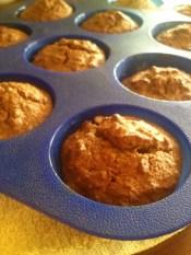 Gluten-free, dairy-free carrot muffins. Bezglutenowe i bezmleczne muffiny marchewkowe.