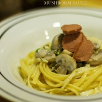 Pasta and spicy White Mushroom sauce
