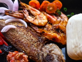 Kenkey with Red Snapper Fish and Shrimps