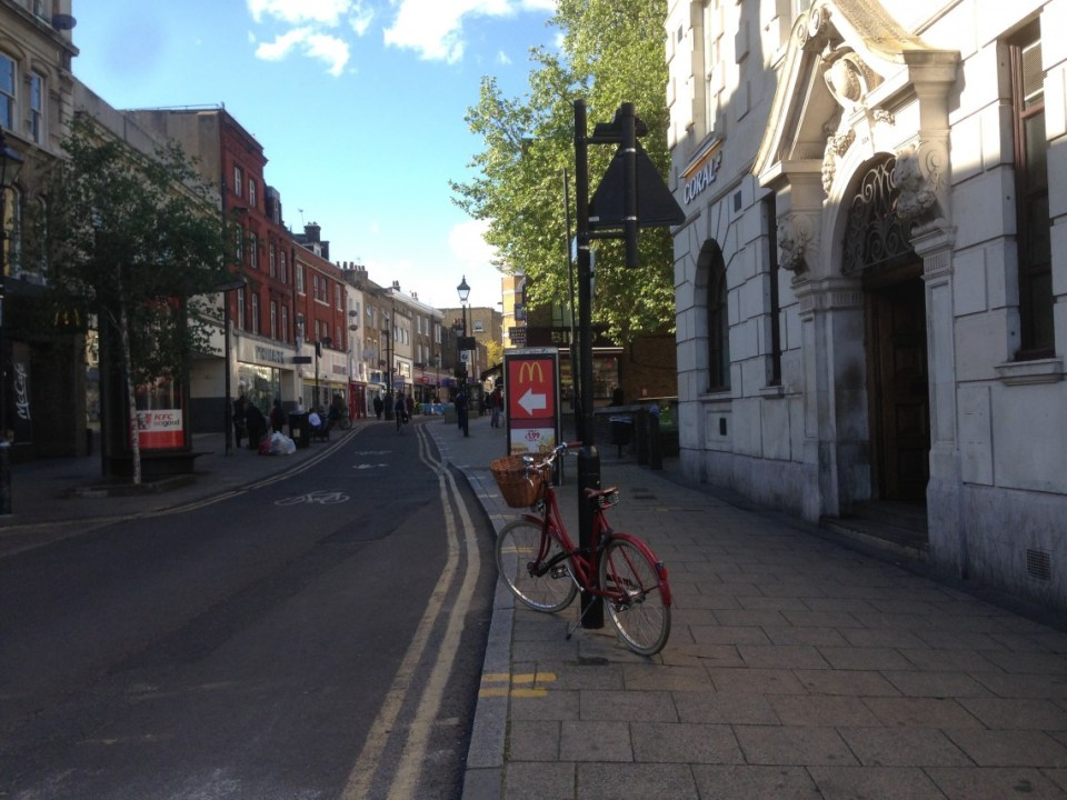 Lone Bicycle Photo Essay: Hackney Central, London