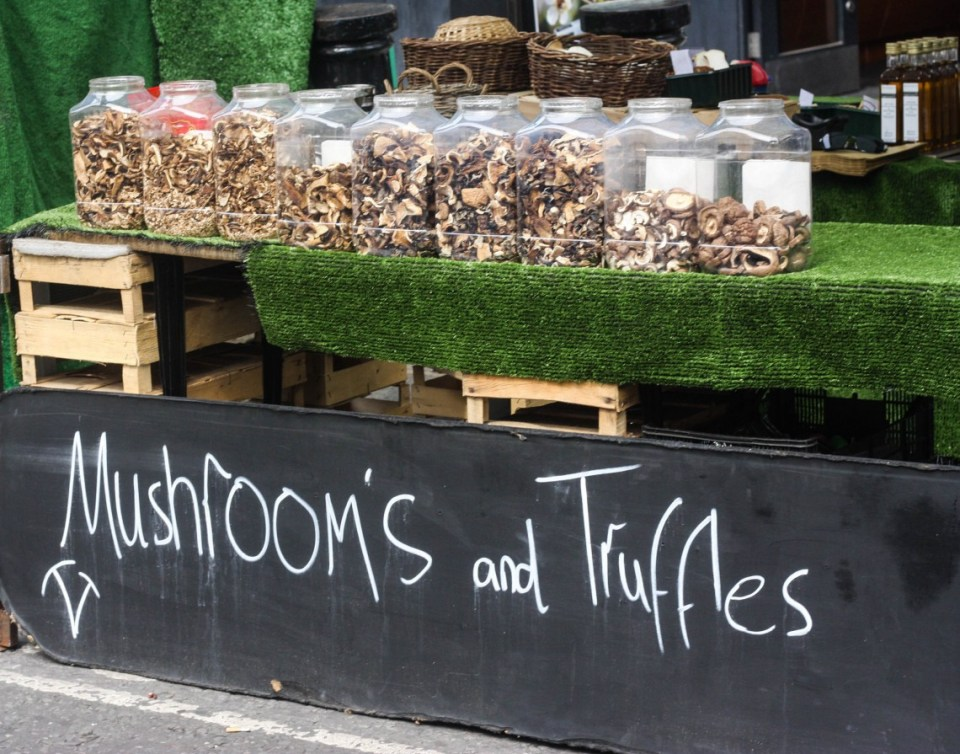 AntiqueFruit and Veg at the Portobello Road Market, Londons at the Portobello Road Market