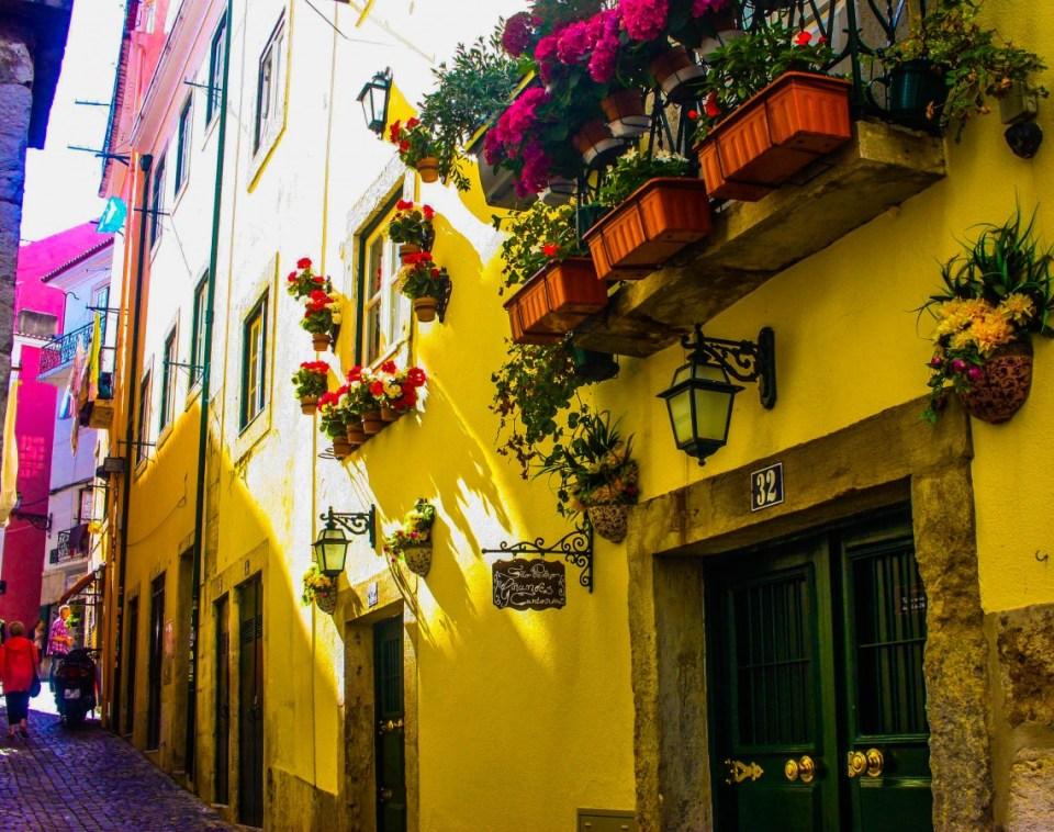 Alfama: Oldest district in Lisbon