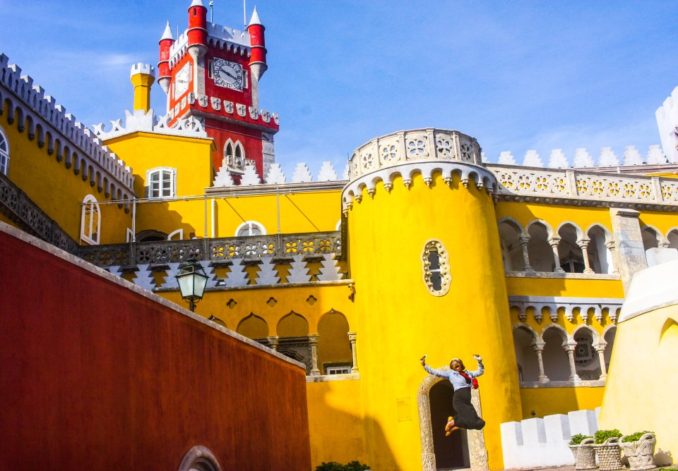 http://mywekutastes.com/in-search-of-romanticism-pena-national-palace-in-portugal/