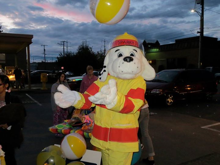 Sparky the Fire Dog at Skyway Outdoor Cinema