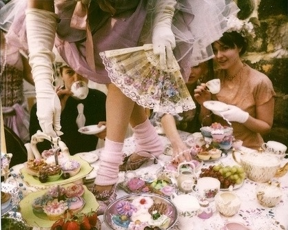 Inspire Me: Alice In Wonderland (2/6)