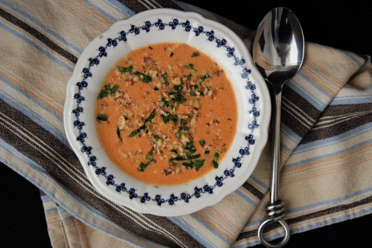 Кето студена супа с печени чушки Стéфани