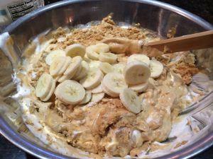 pudding mixing in bananas