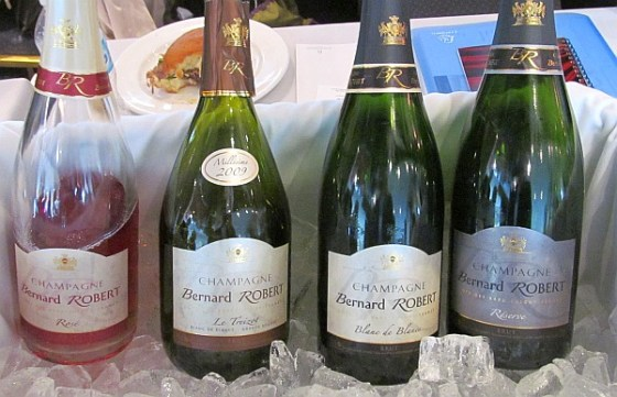A flight of Bernard Robert Champagne