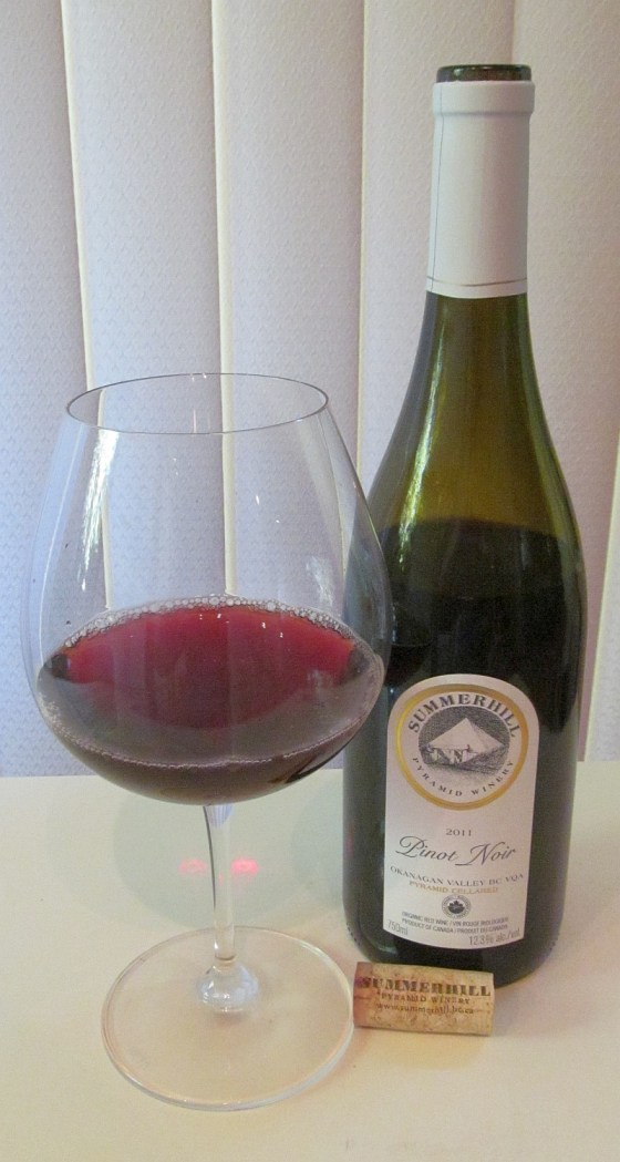 Summerhill Pyramid Winery Pinot Noir 2011