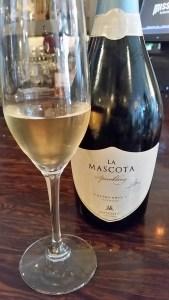 La Mascota Extra Brut Sparkling wine