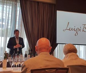 Alberto Arizu speaking about Luigi Bosca wines