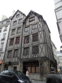 1. De Beaubourg à la Bastille (48)