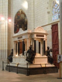 1. Cathédrale St. Pierre et St. Paul de Nantes (63)