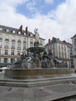 Nantes (77)