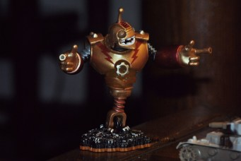 The Giant Robot, the IronMan version of Skylanders Giants. He does look tough. ;-)