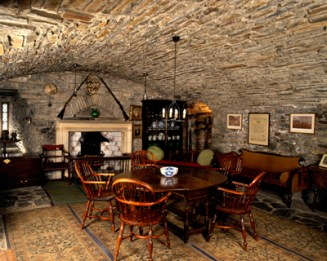 The Billeting Room on the ground floor of the keep at Eilean Donan Castle. The barrell vaulted ceiling caused considerable problems during construction. The castle was restored in 1932 after being destroyed by Spanish troops supporting a Jacobite rising in the 18th century. Pub Orig CL 13/01/1994