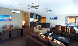 Wyndham Wanaka Presidential Suite lounge