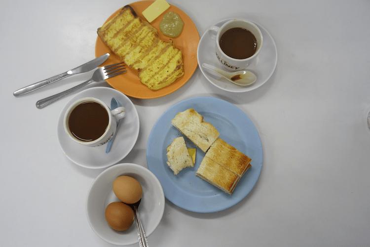Singapur, Frühstück, Kaya Toast, Ei, Kaffee