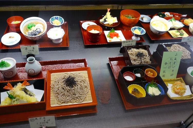 Essen aus Plastik in Tokyo Sushi