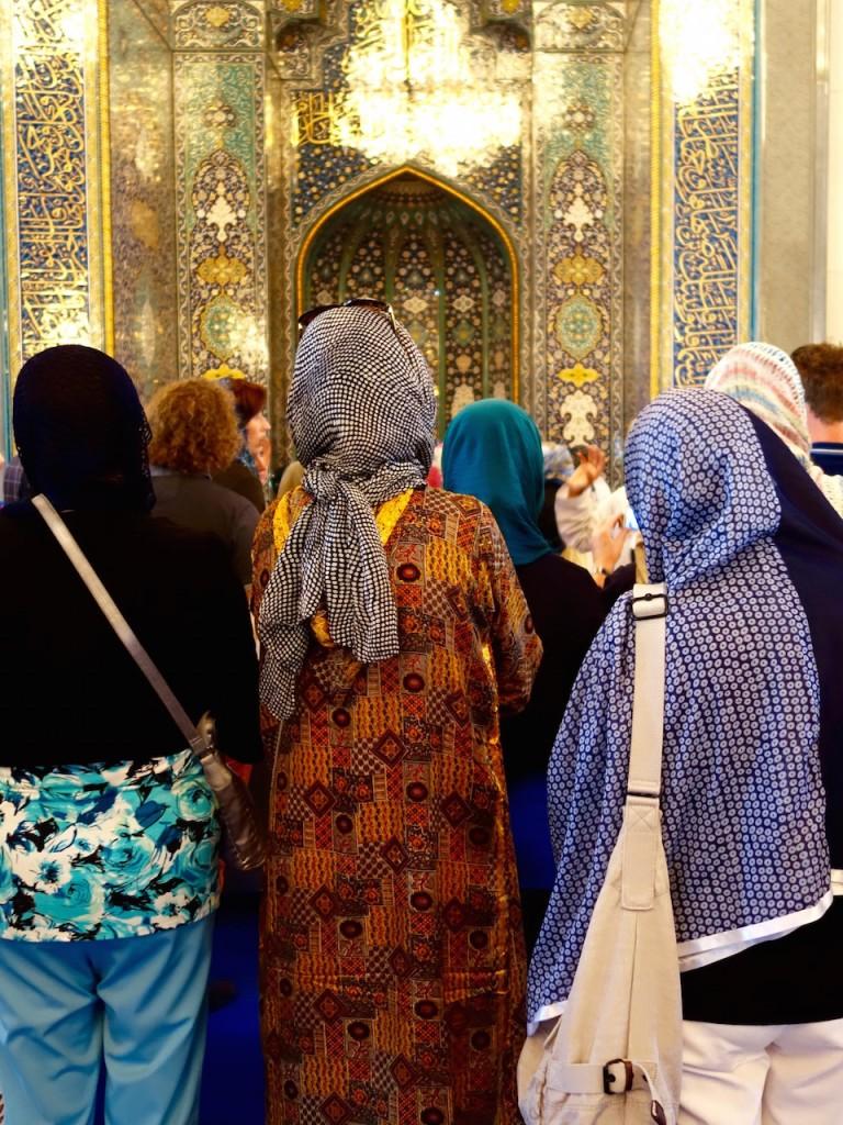 Oman, Kopftuch muß man nur in der Moschee tragen