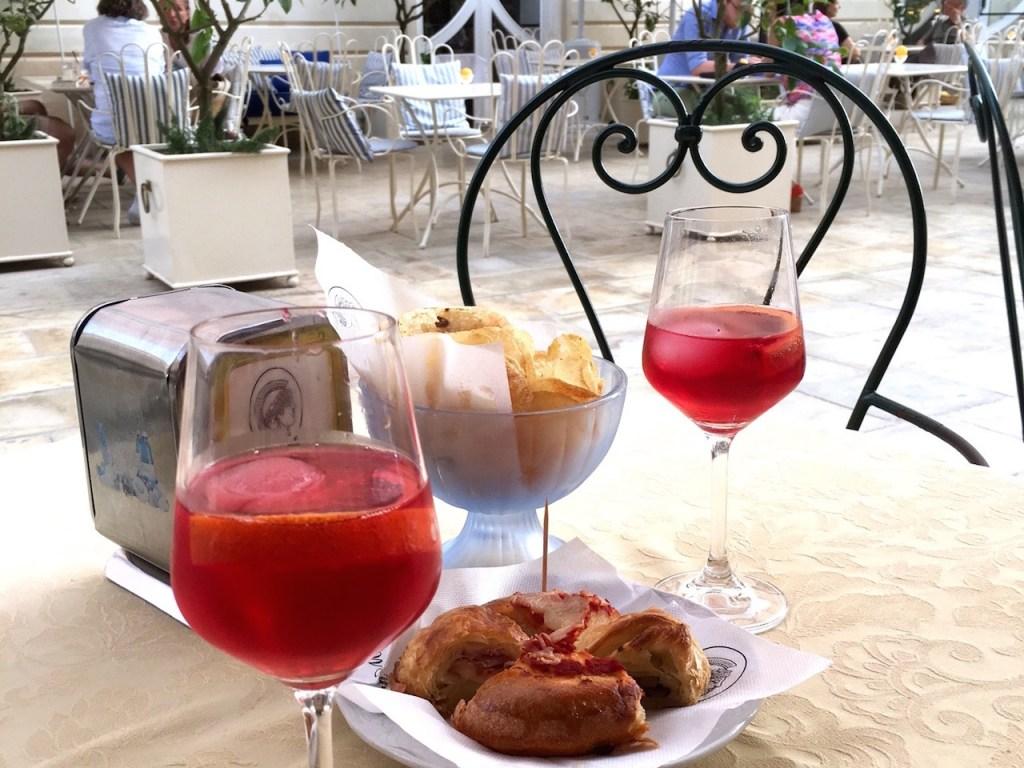 Syrakus, Apperitif, Sizilien, Campari