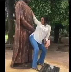 UNILAG STUDENT ALLEGEDLY RUSTICATED FOR TWERKING TO THE STATUE OF FORMER VC 1