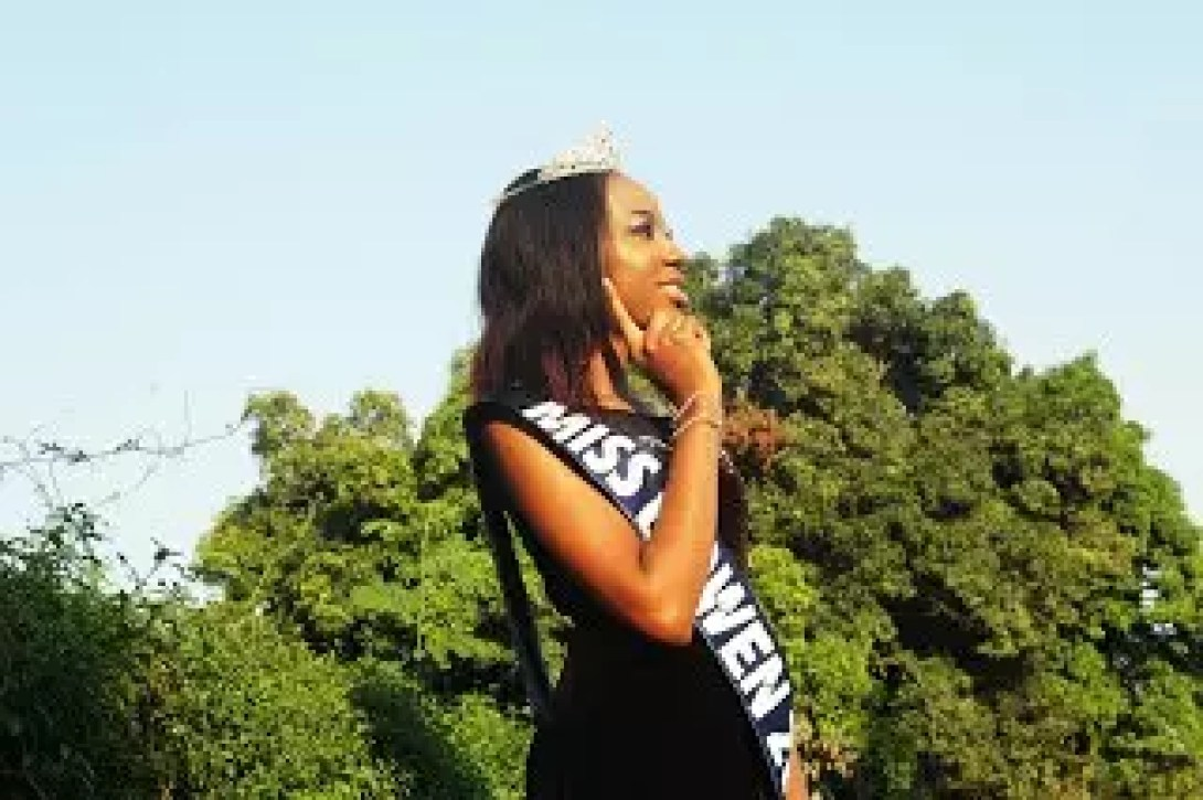 AN INTERVIEW WITH THE WINNER OF THE 2017 BOWEN BEAUTY PAGEANT 38