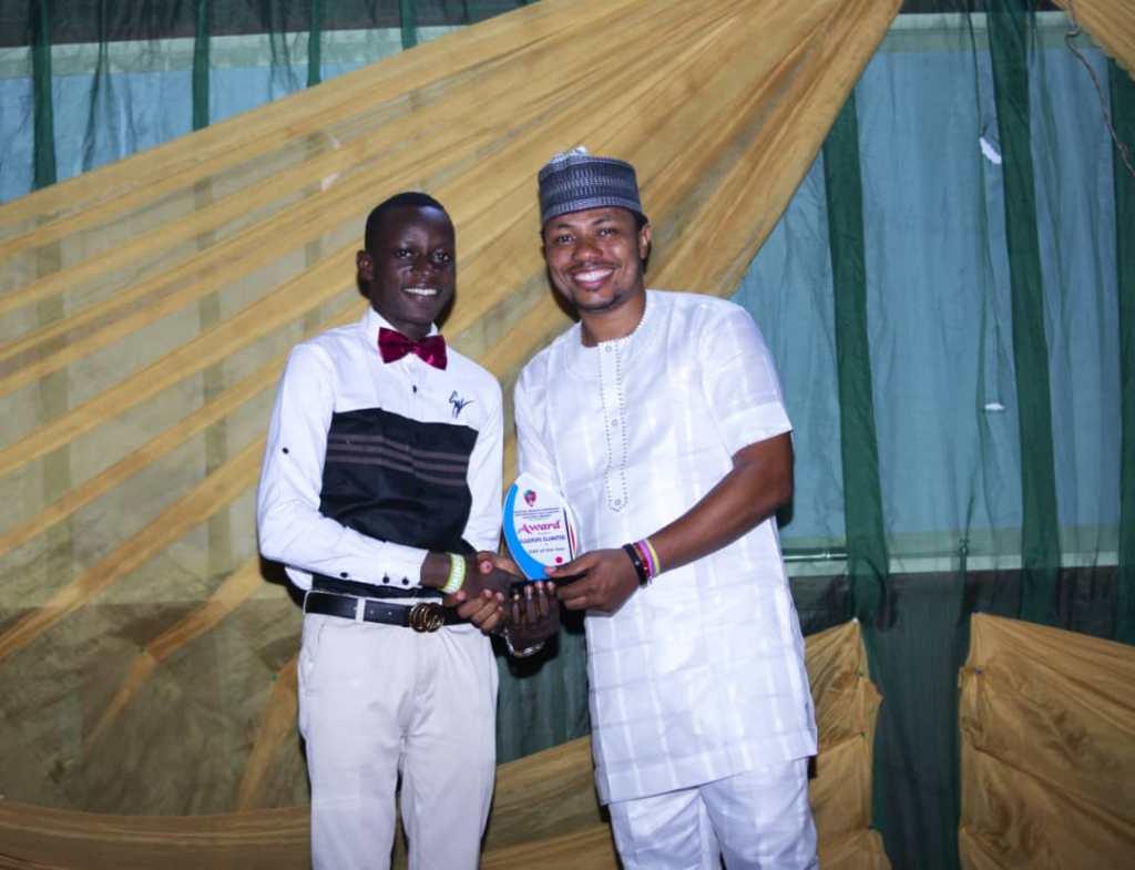 SUPERLIGHT PRESENTER RECEIVES OAP OF THE YEAR AWARD 2019 SOUTHWEST NIGERIA 6