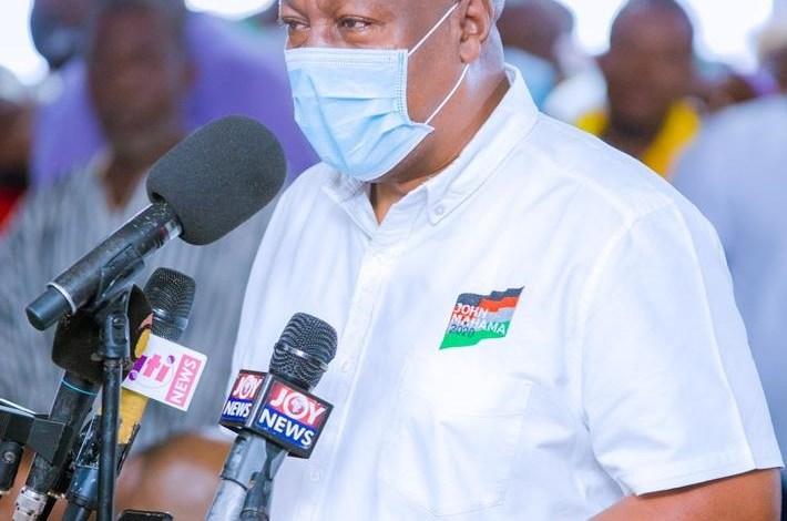 Photo of Mahama accuses NPP executives of 'stealing' building materials of Garu hospital