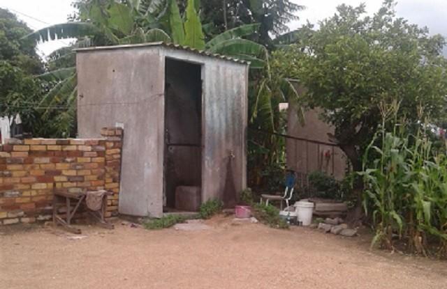 Pholani-Moyo-the-toilet