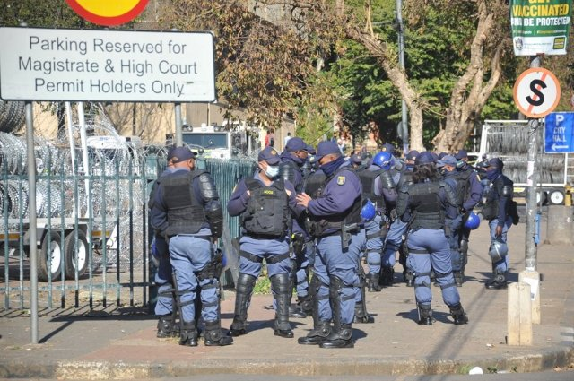 SAPS Court Zuma