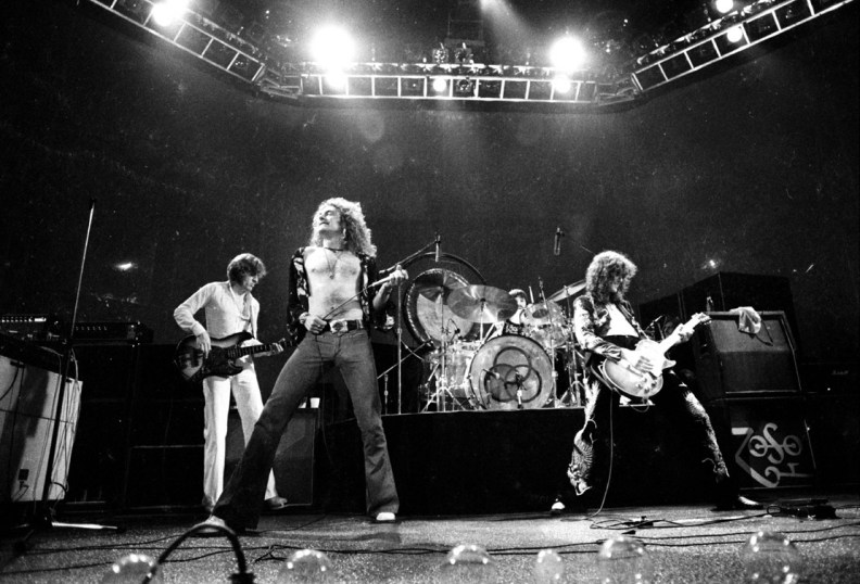 jury-stands-behind-led-zeppelin-in-stairway-to-heaven-copyright-case-2016-images