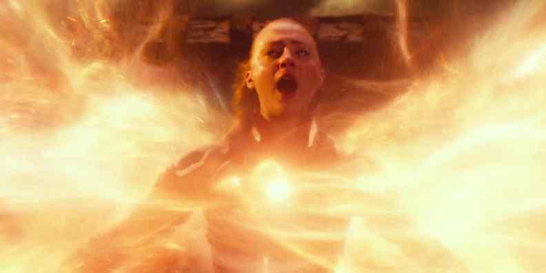 sophie-turner-as-jean-grey-using-phoenix-powers-in-x-men-apocalypse