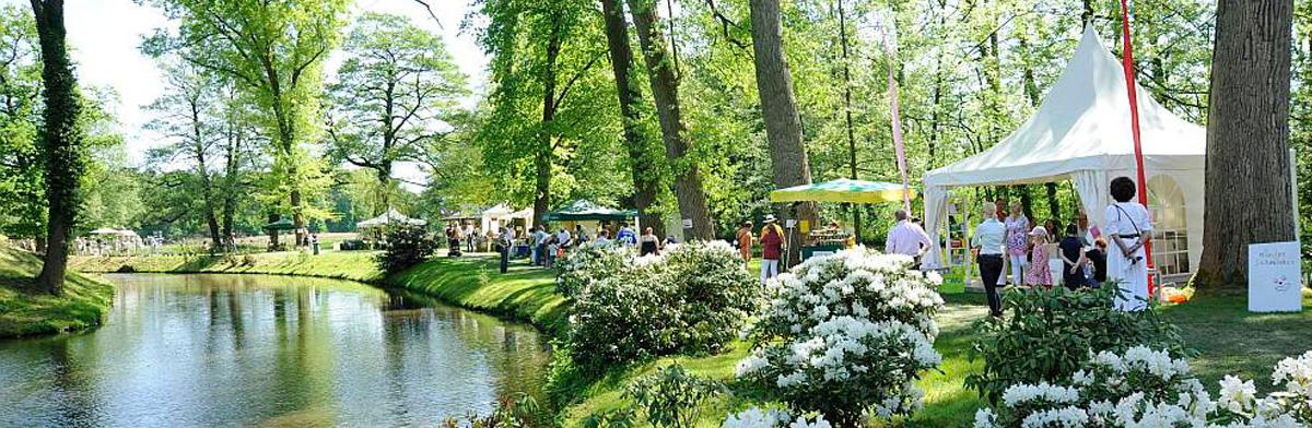Schloss Rheda - Frühling im Park