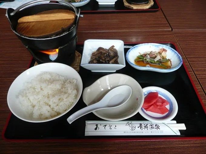 青荷温泉・昼食メニュー・鍋定食