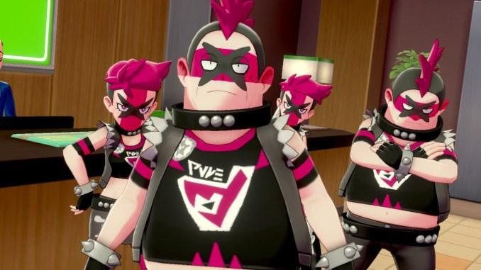 Das Foto zeigt Team Yell zu viert und kampfbereit in einem Hotel.