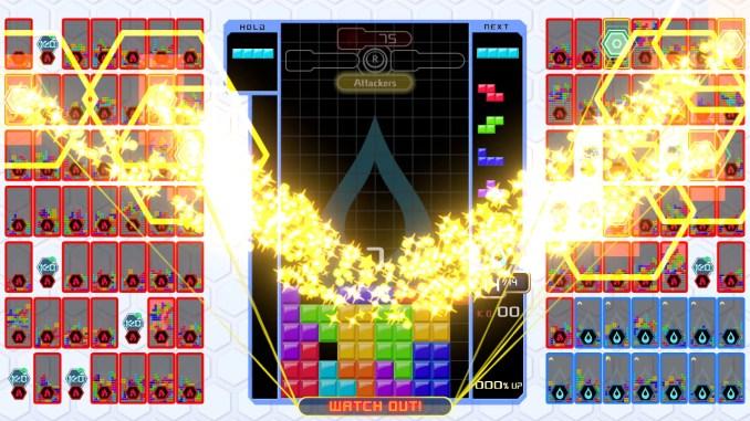 Im neuen Team-Kampf-Modus von Tetris 99 treten die Spieler in vier Mannschaften gegeneinander an