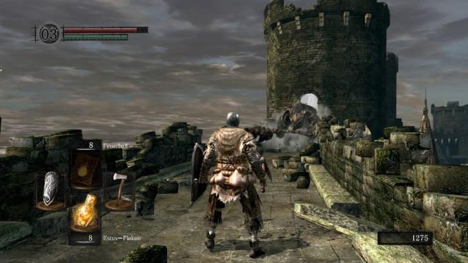 Dark Souls, Taurus-Dämon als erster Boss kommt angestürmt.