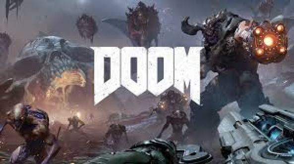 Das Titelbild von Doom. Ein paar außerirdische Krieger mit Waffen werden im Hintergrund dargestellt, welche von Waffen bedroht werden.